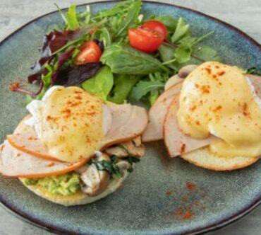 Egg Benedict Turkey Ham